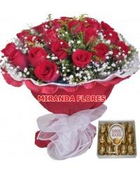 01- BOUQUET 12 ROSAS VERMELHAS PAPEL CREPOM COM FERRERO ROCHE 12