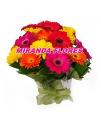 29- BOUQUET 12 GERBERAS COLORIDAS