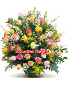 13- Arranjo c / 48 rosas